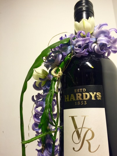 etiketti ja kukka viini